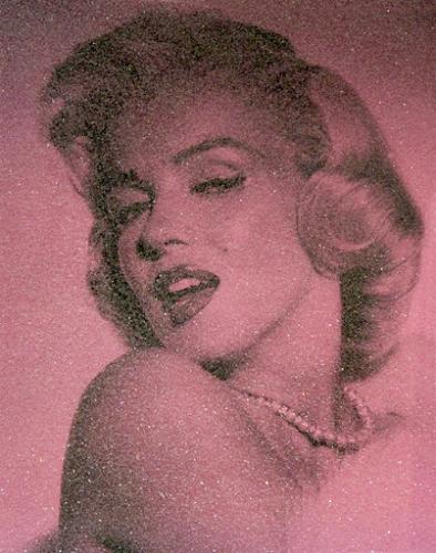 Marilyn Monroe Pink - David Studwell